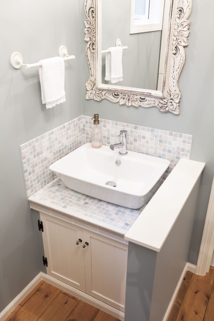 ナチュラルフレンチな洗面台 おしゃれな洗面台