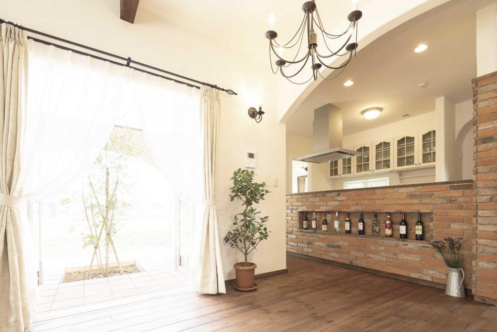 スパニッシュ風 レンガ造りの造作キッチン