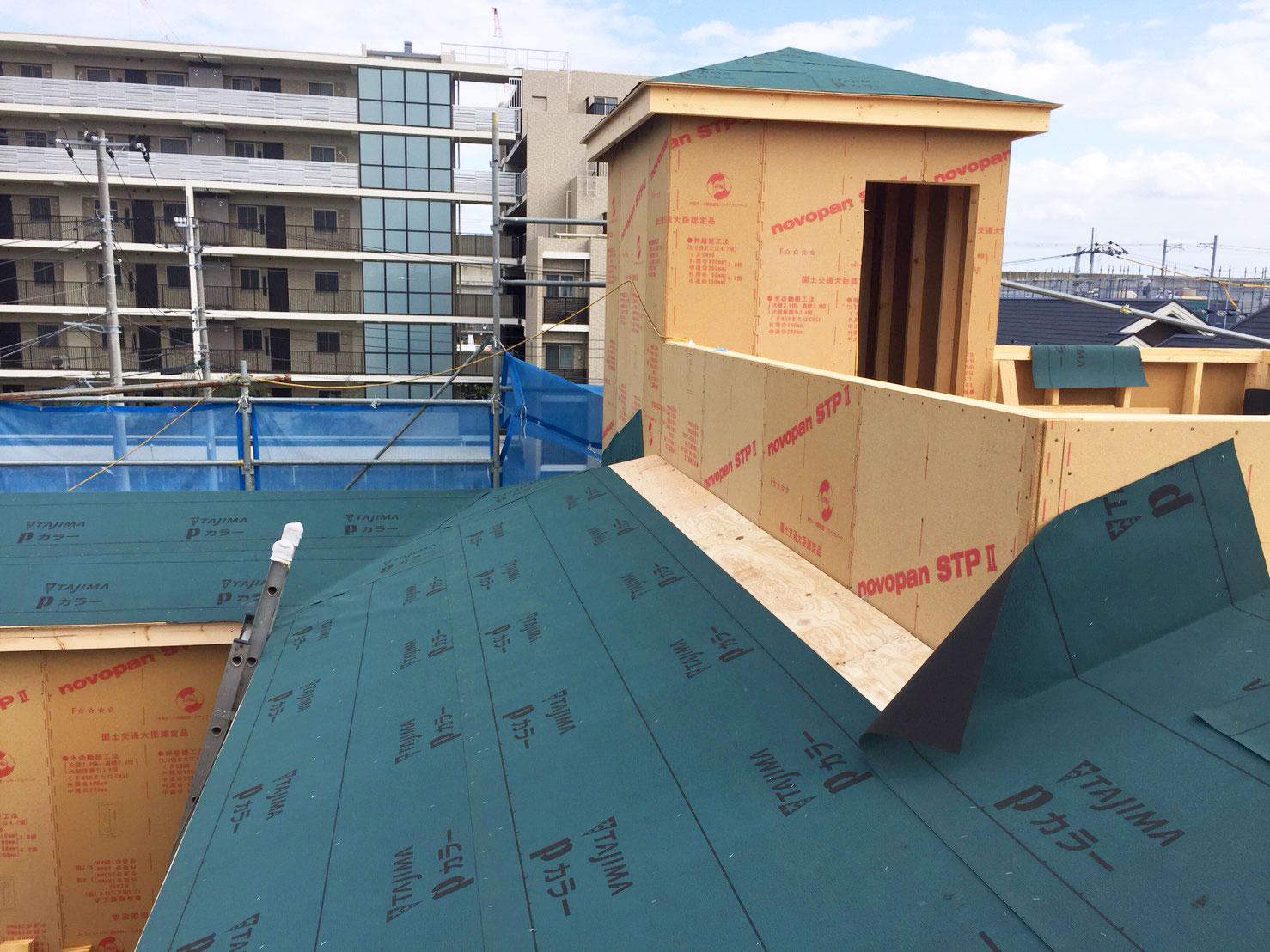 屋根施工と室内