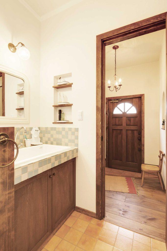 南仏風 無垢材とタイルの造作洗面台