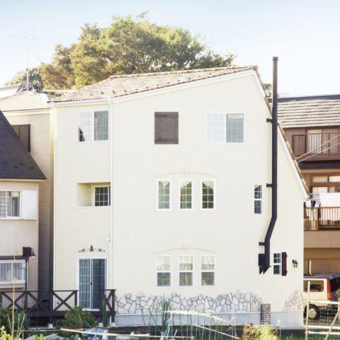 狭小住宅:限られた土地に夢が広がる、お洒落なプロヴァンススタイル