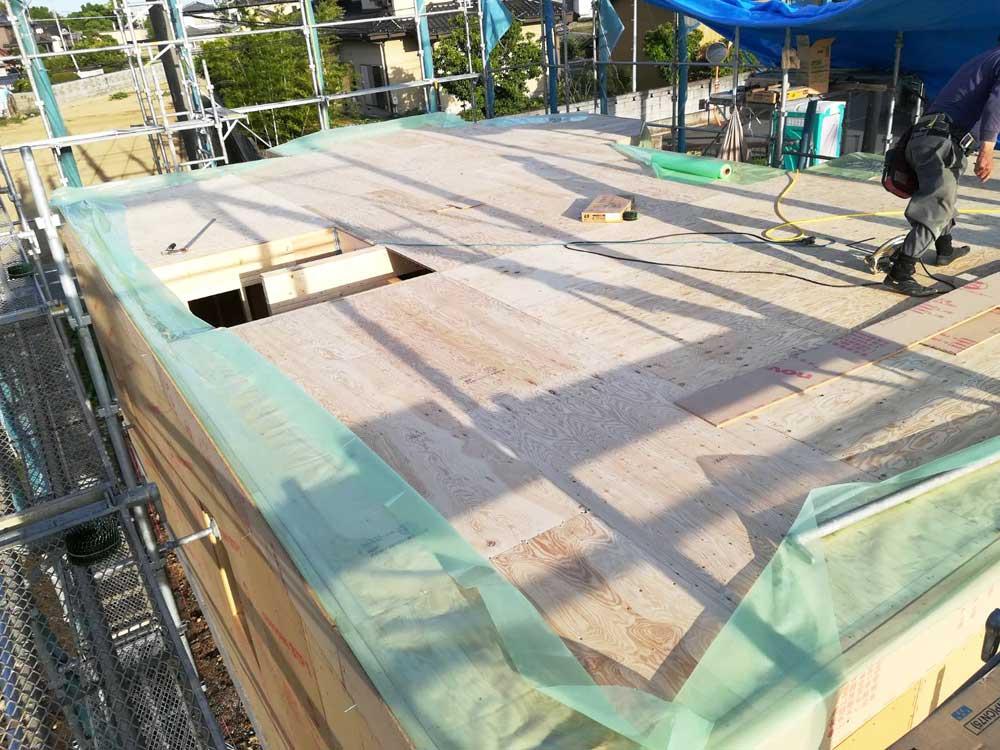 建方工事が始まっています
