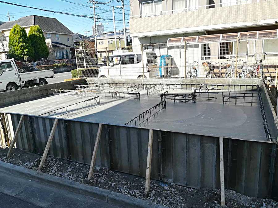 基礎コンクリート施工始まりました