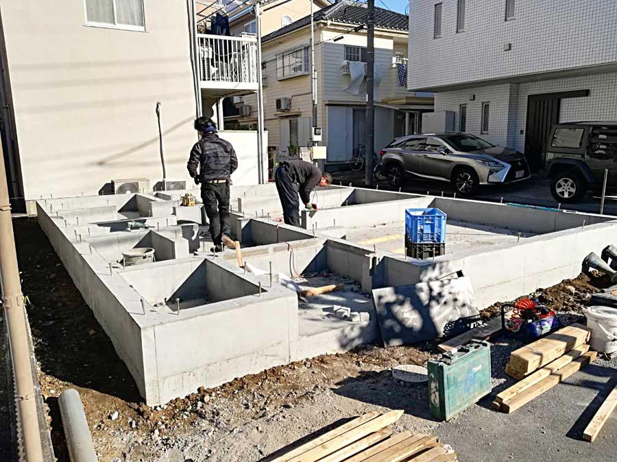 基礎コンクリートが固まりました